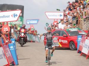 Rafał Majka wygrywa etap na Vuelta a Espana